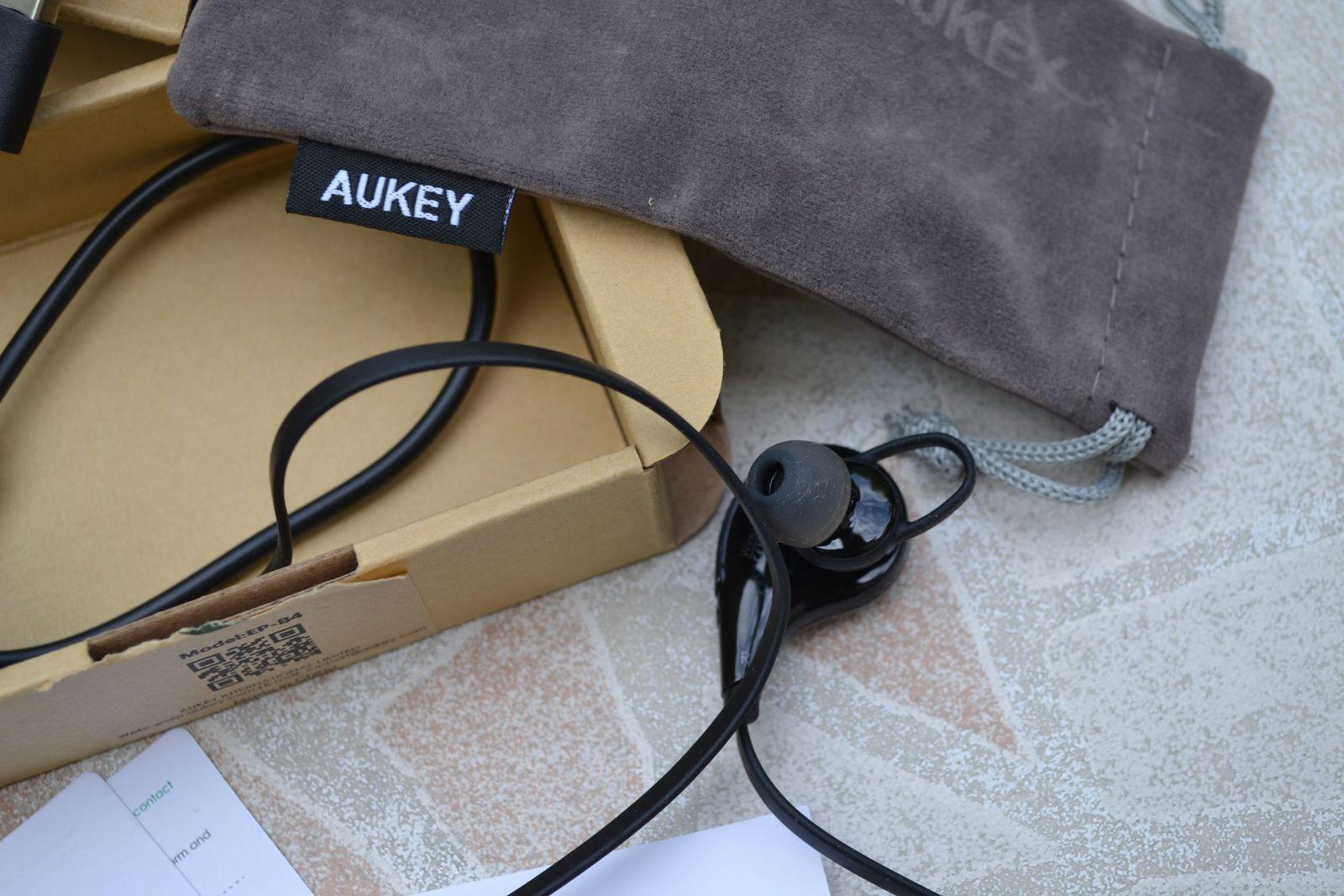 AUKEY EP-B4 distribué par TIANYUE DAZZLING