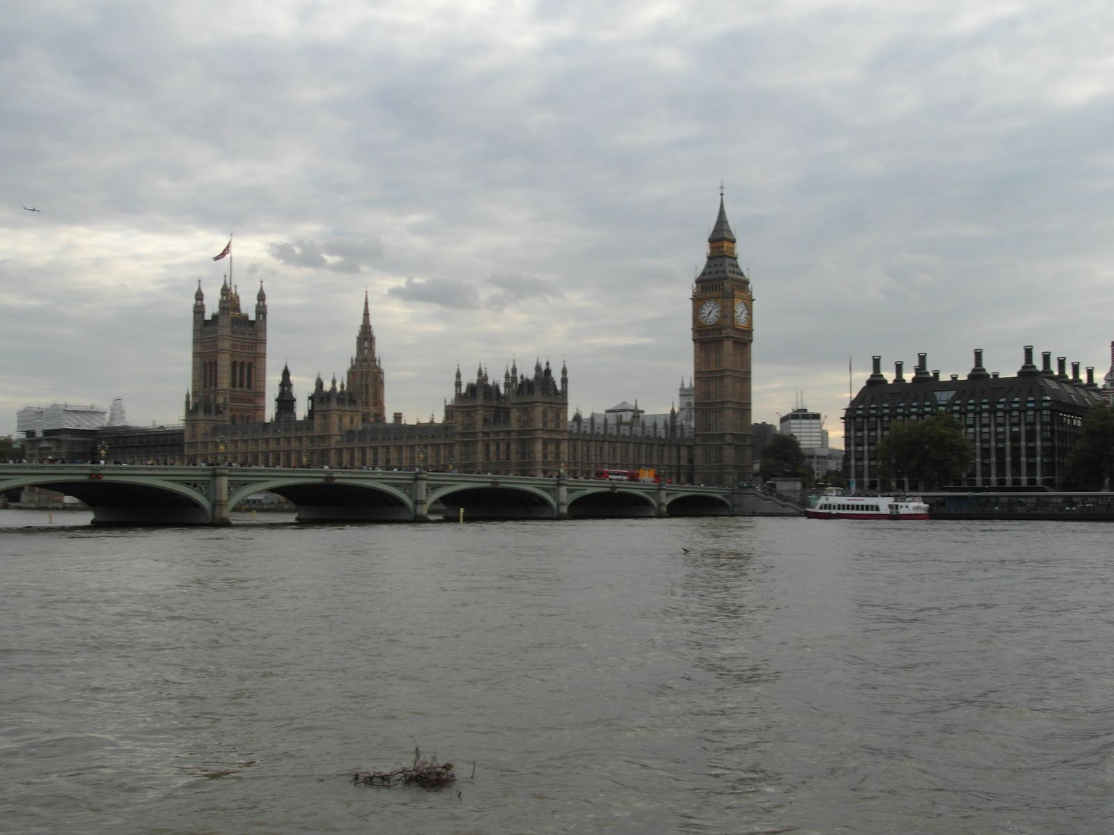 Westminster Bridge, La Maison du Parlement et Big ben