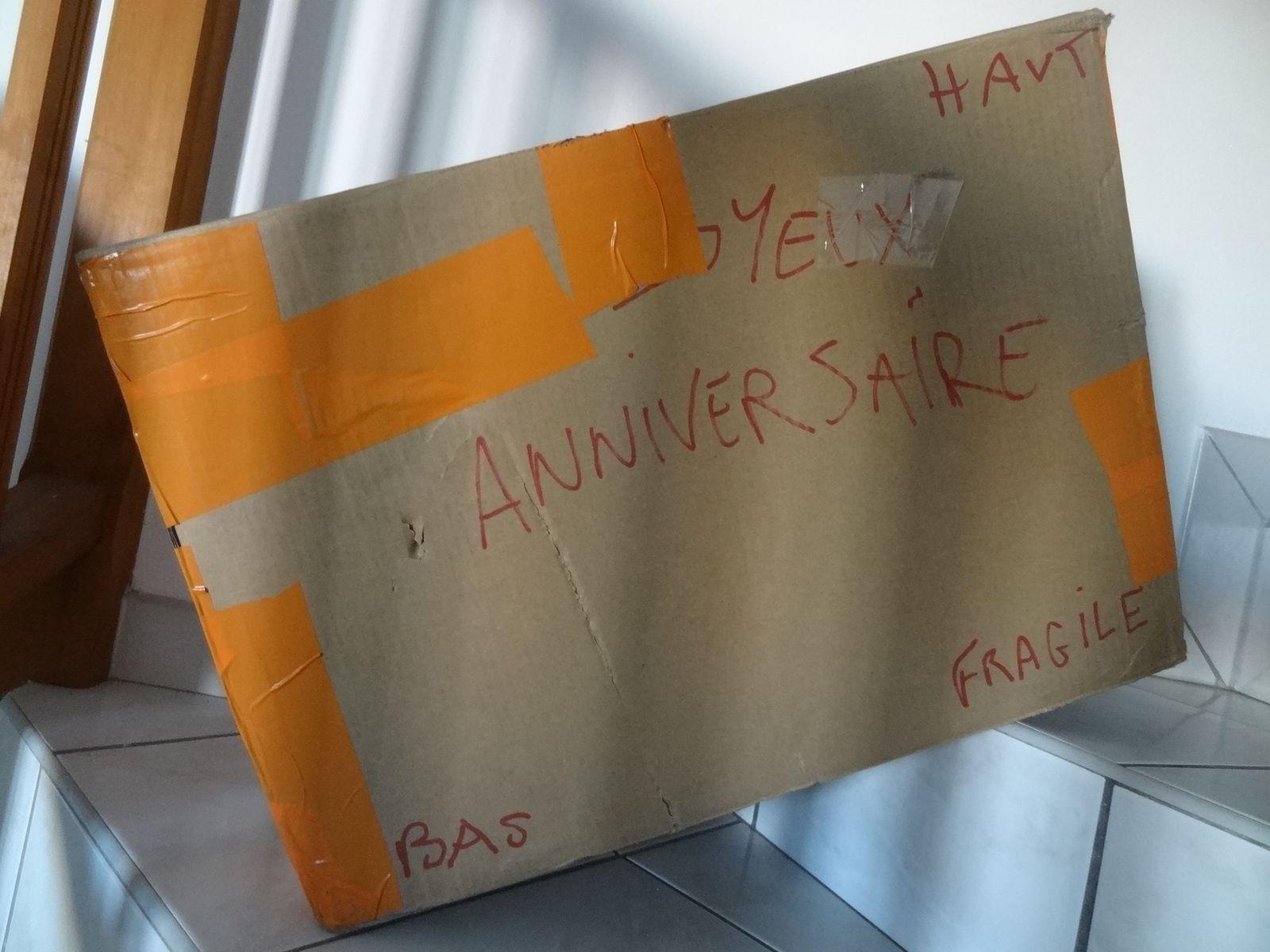 Premier paquet pour passer incognito à l'aéroport &#x3B;-) : inutile de me fêter mon anniversaire ...