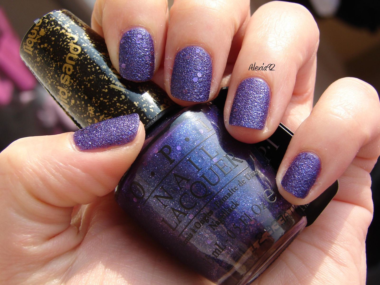 OPI - Can't Let Go (liquid sand - collection Mariah Carey)