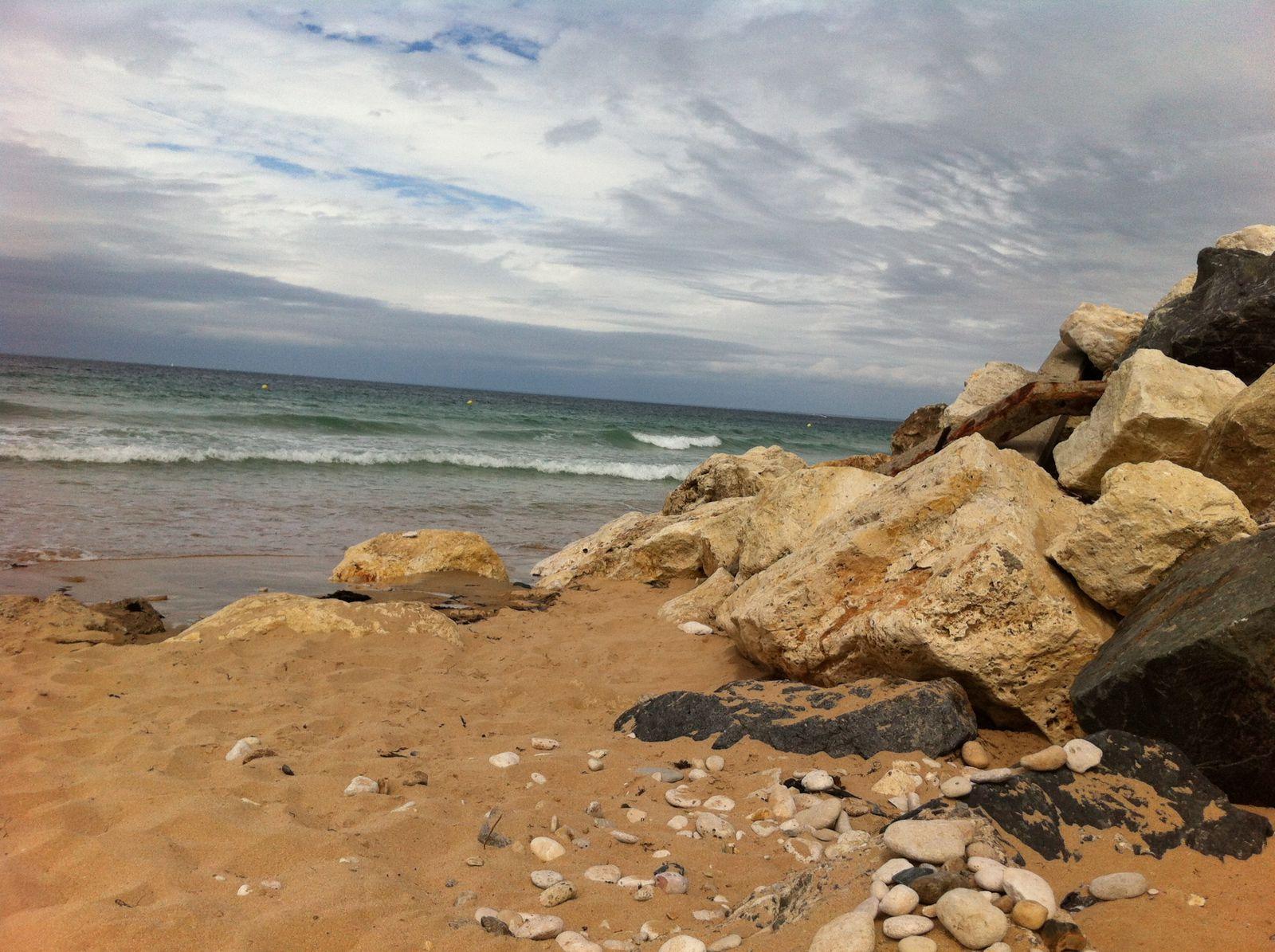 Une fois la mer haute, il faut repartir à la nage pour sortir de la plage... les criques c'est bien mais pas pratique :)