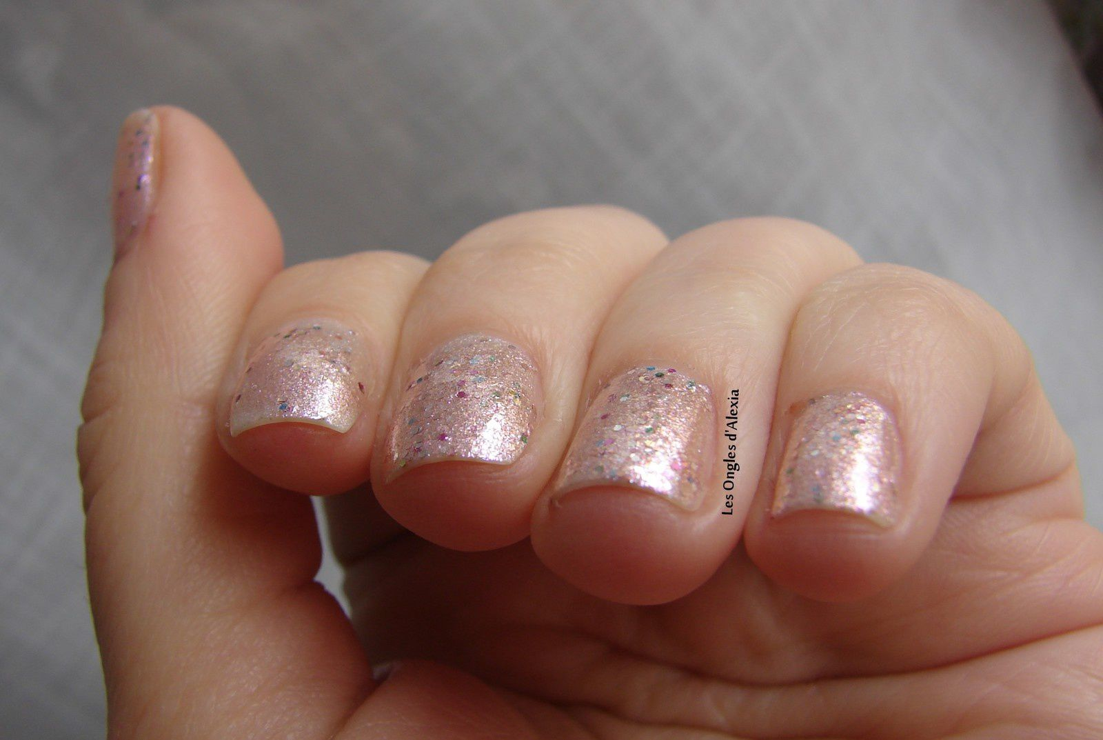 OPI - Charmmy & Sugar (collection Hello Kitty) - shimmer doré