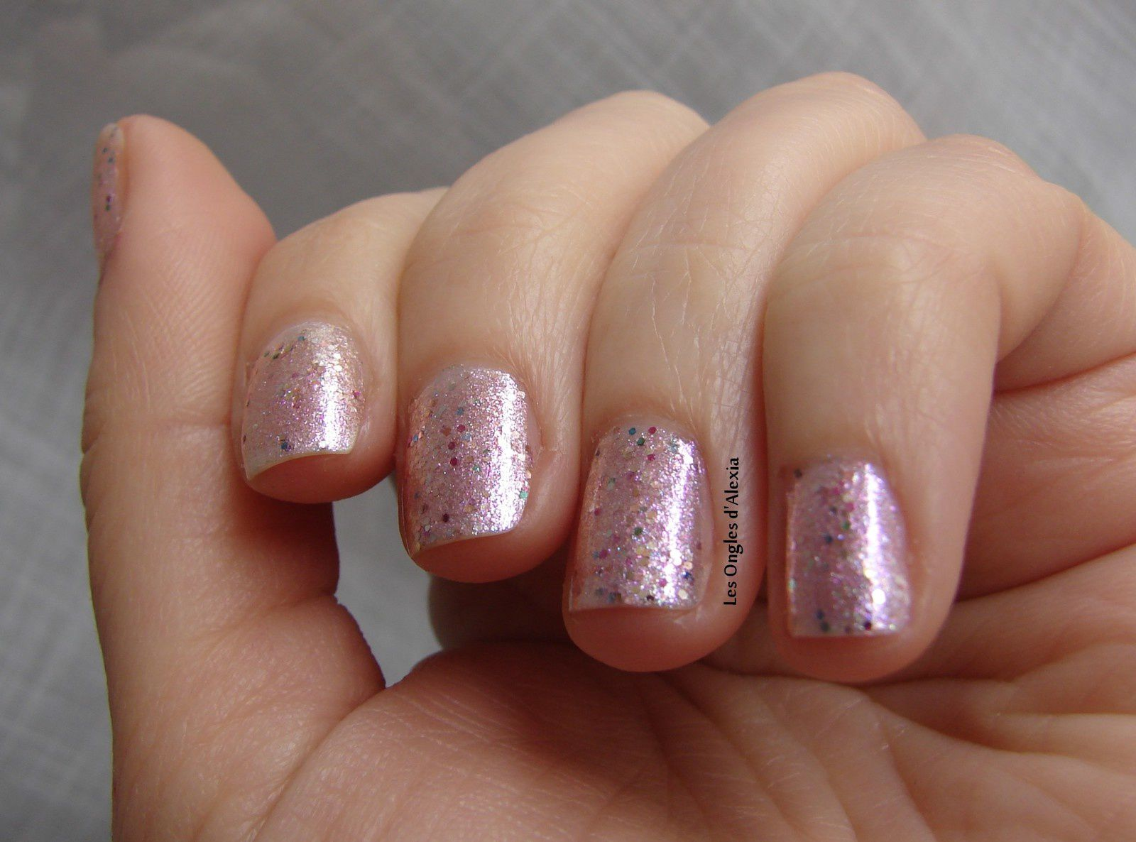 OPI - Charmmy & Sugar (collection Hello Kitty) - shimmer rose