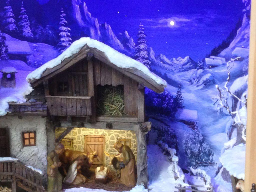 Crèche Tyrolienne en bois, Pfunds