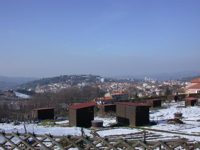 Les jardins familiaux de St Etienne (photo F Arnal) depuis le Mont Salson vers le quartier de Cöte Chaude.