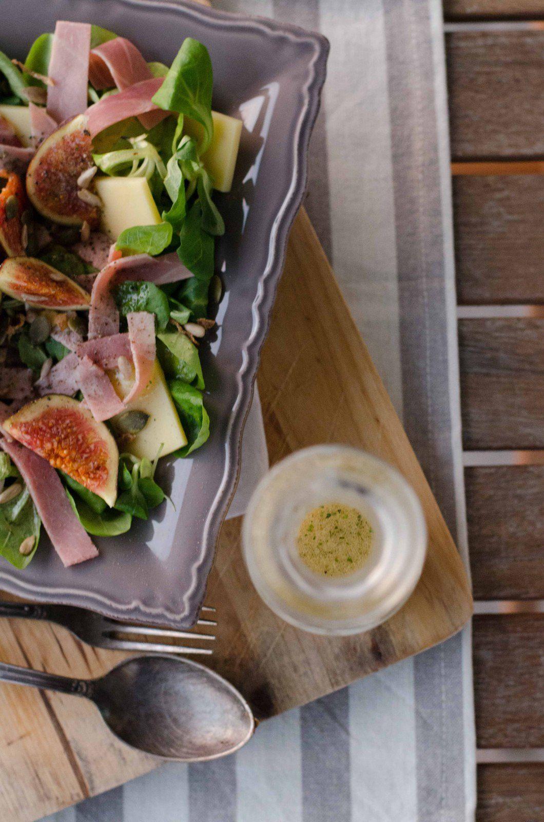 Salade au comté, figues et jambon &amp&#x3B; vinaigrette au miel