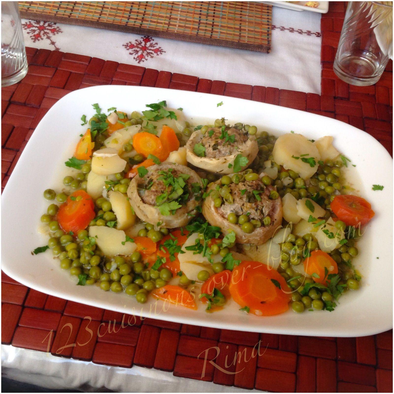 Fonds d'artichauts farcis accompagnés de légumes