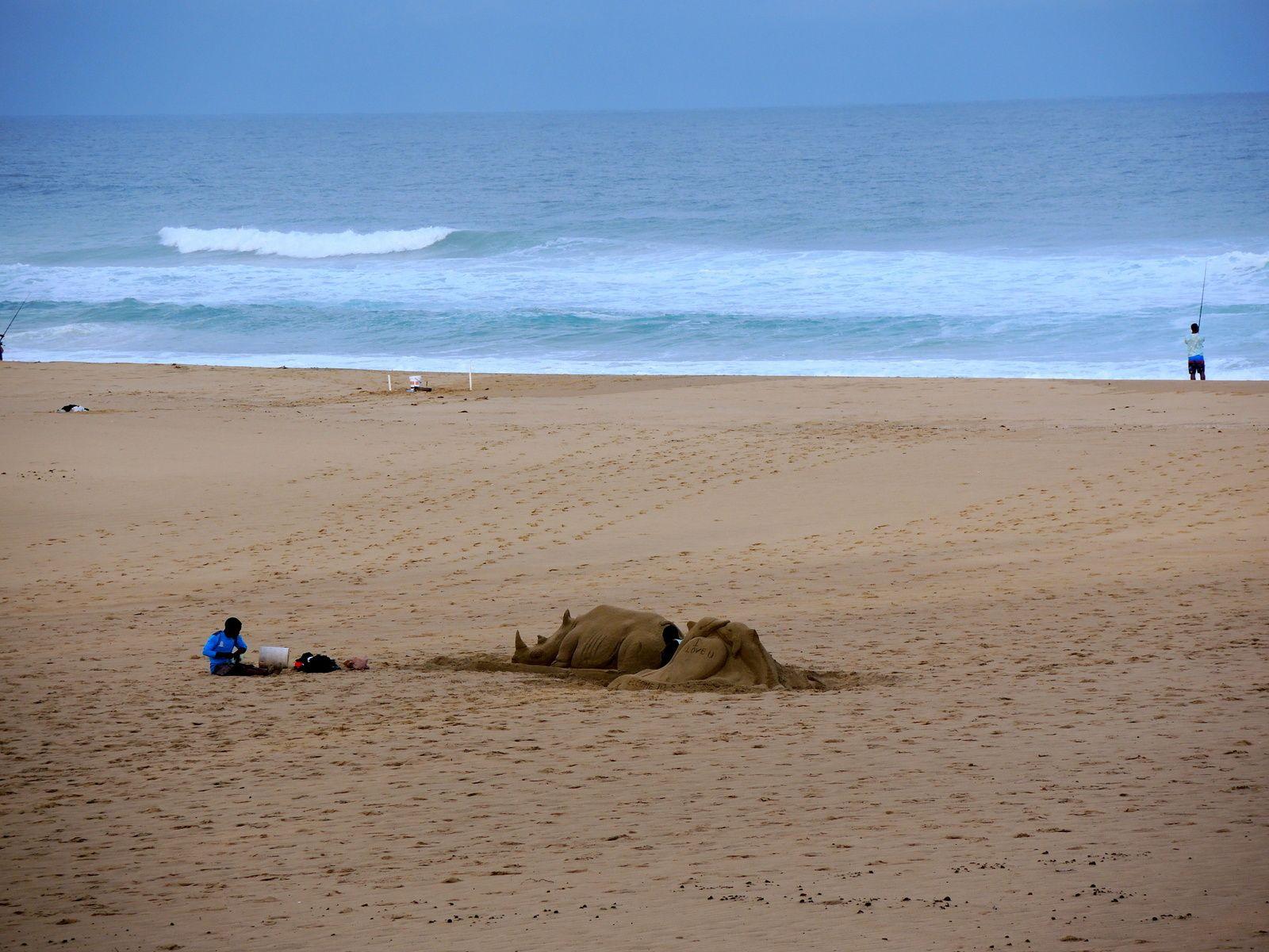 Un artiste qui faisait de superbes sculptures sur sable