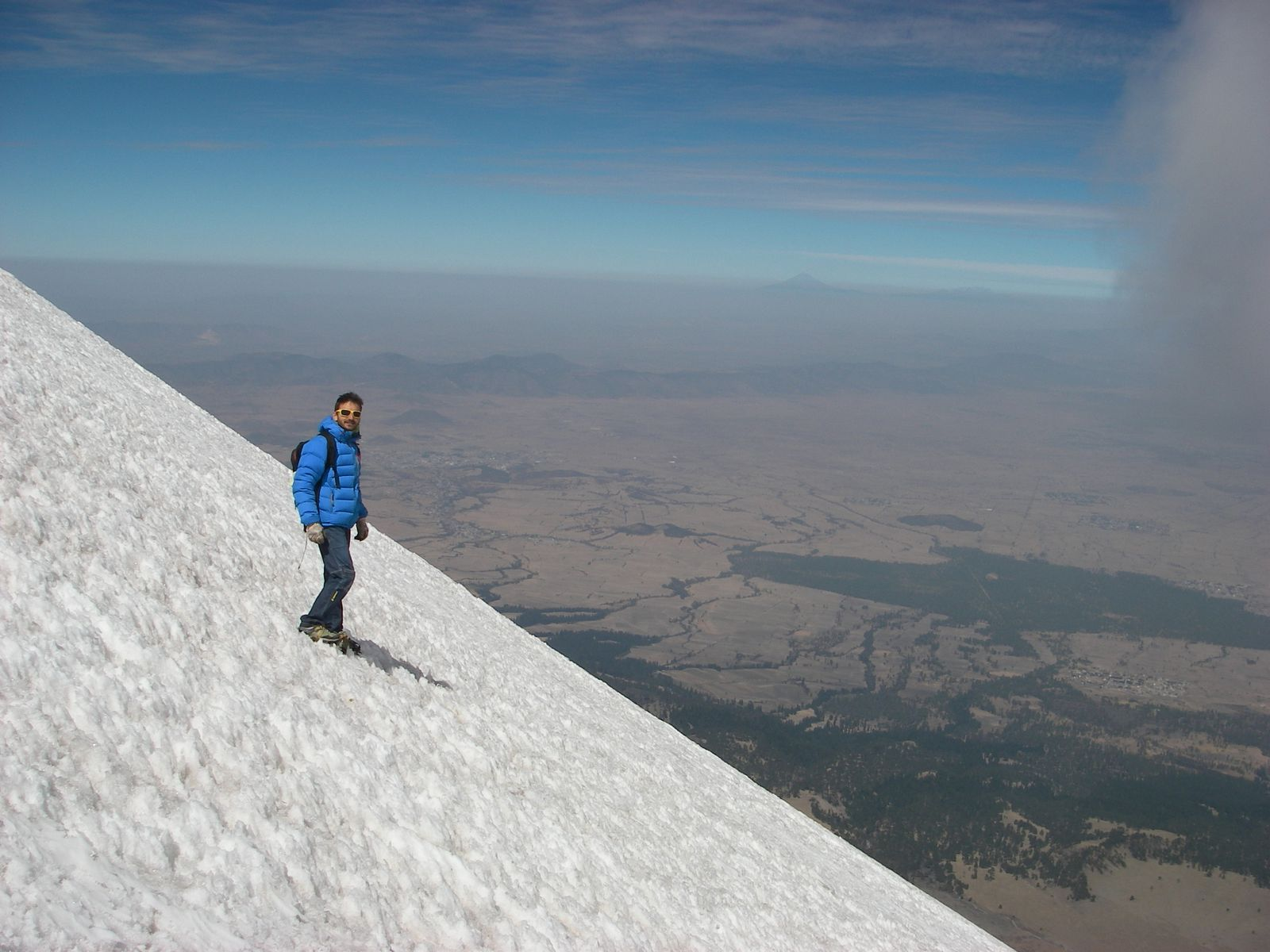 El Pico de Orizaba, 5650m (normal route)