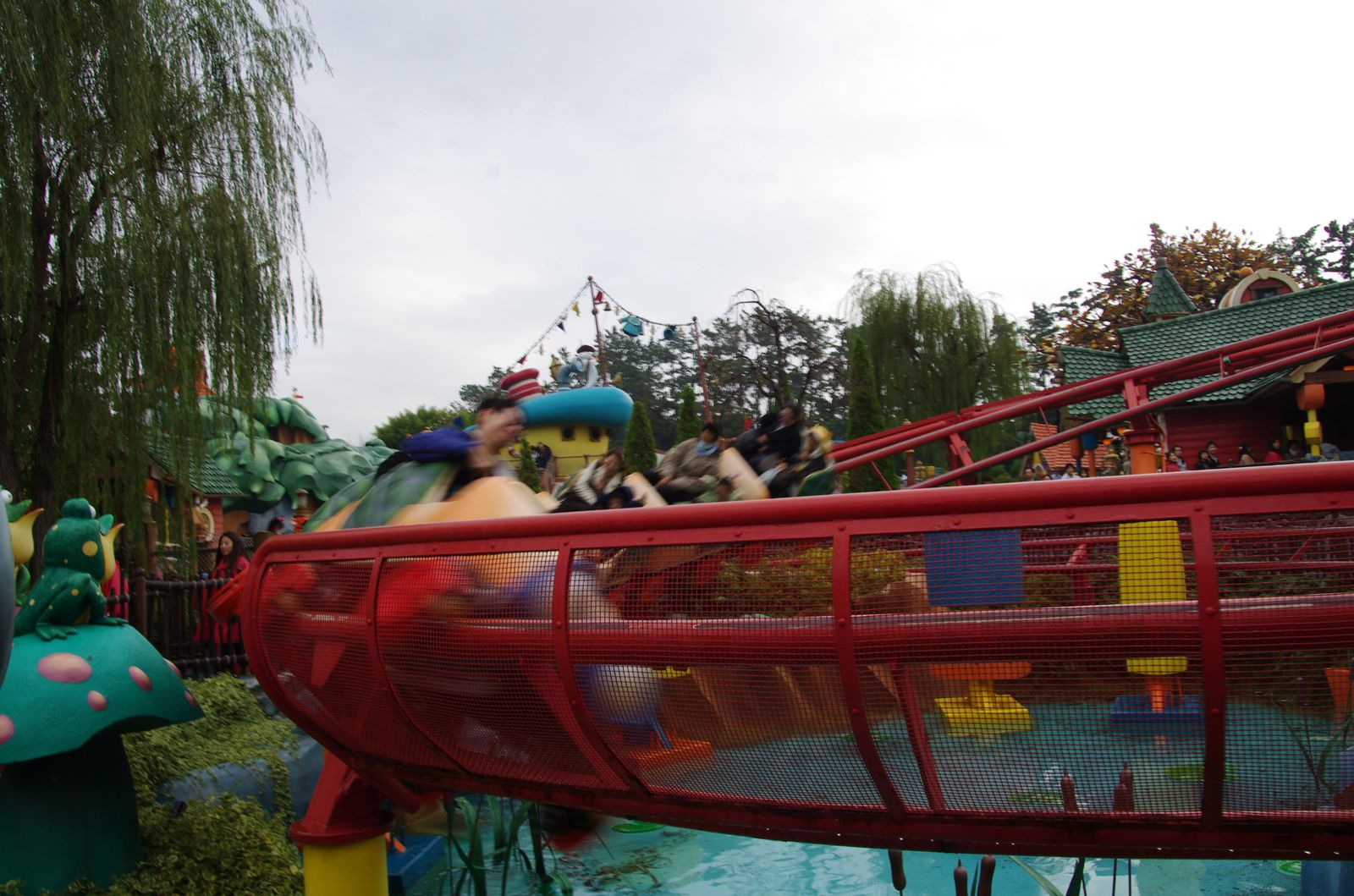 Gadget's Go Coaster (limite plus flippant que le Big thunder mountain !) (désolé pour la photo moche)