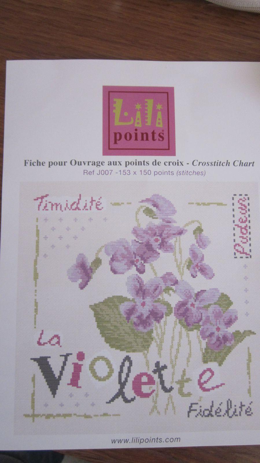 Une nouvelle broderie de commencée -  SAL LILI POINTS   -   La violette