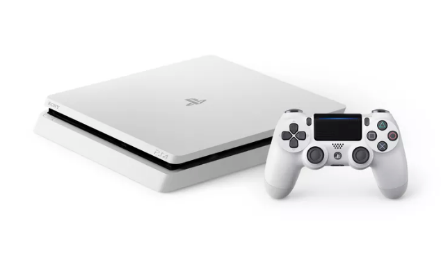La PS4 Slim blanche arrive