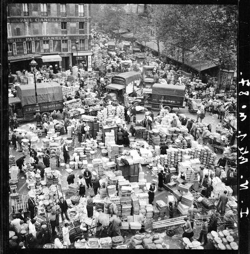 Les Halles de Paris au petit matin, photographie de François Kollar, 1931