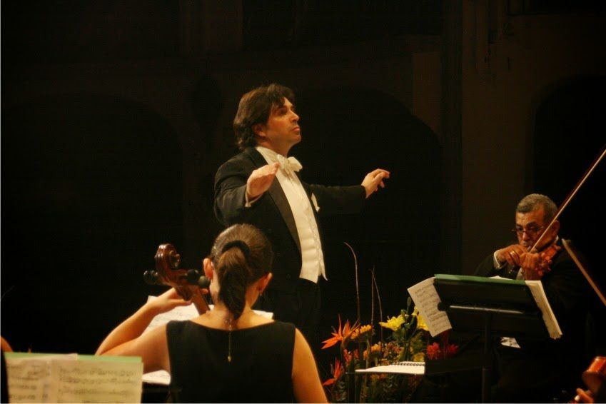 Sonnerie de Sainte Genevieve du Mont de Paris - orchestre mexicain dirigé par Berlioz (Sergio)