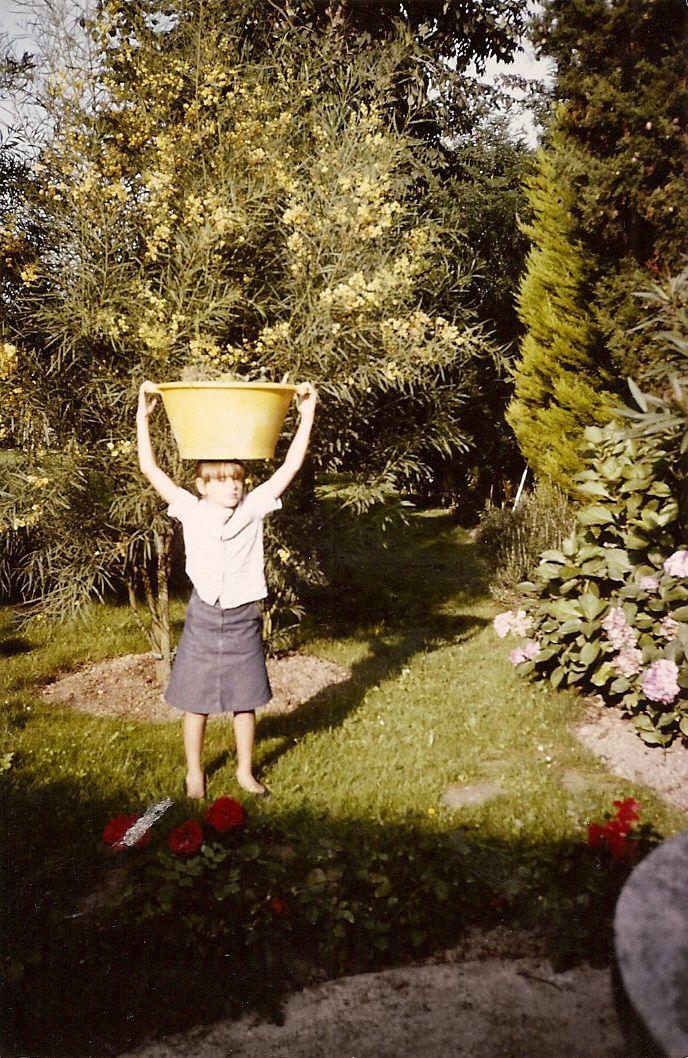été 1983 dans le jardin à Hendaye...