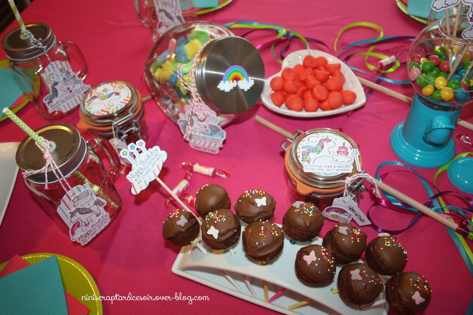 Des cakes pops caca papillon :)