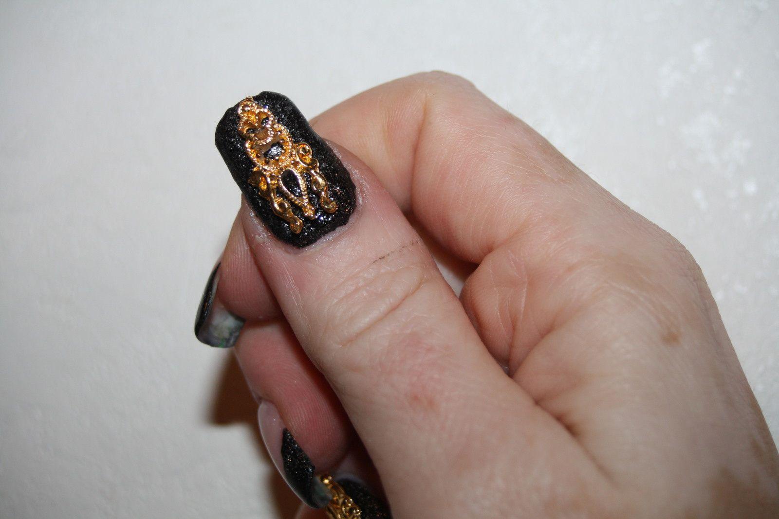 Ma main droite pour le mondial SPA : Bijoux d'Ongle