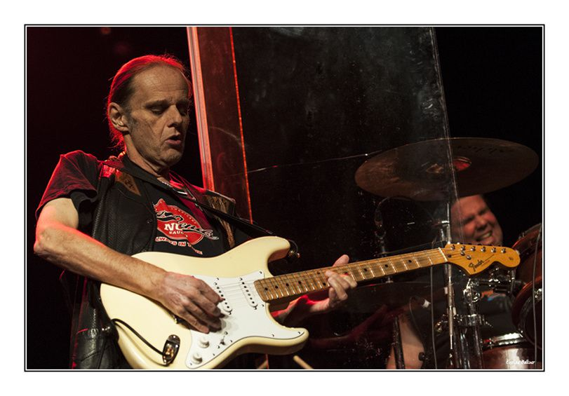 Lightnin' Guy & the Mighty Gators - Walter Trout