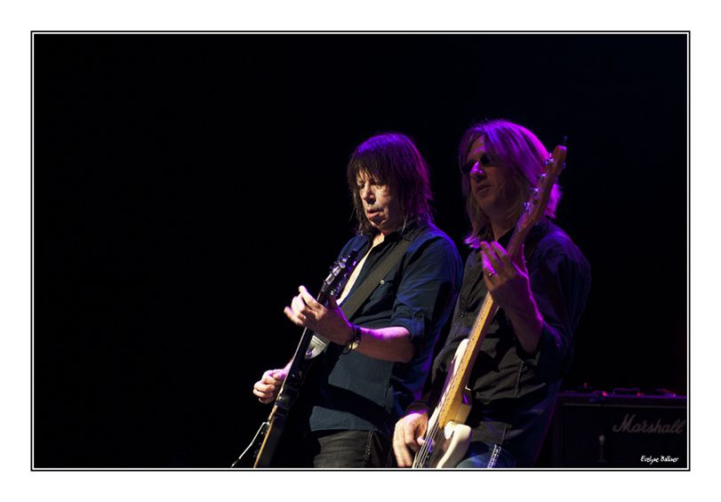 It's only  Rock N'Roll  : Skinny Molly et  Pat Travers Band