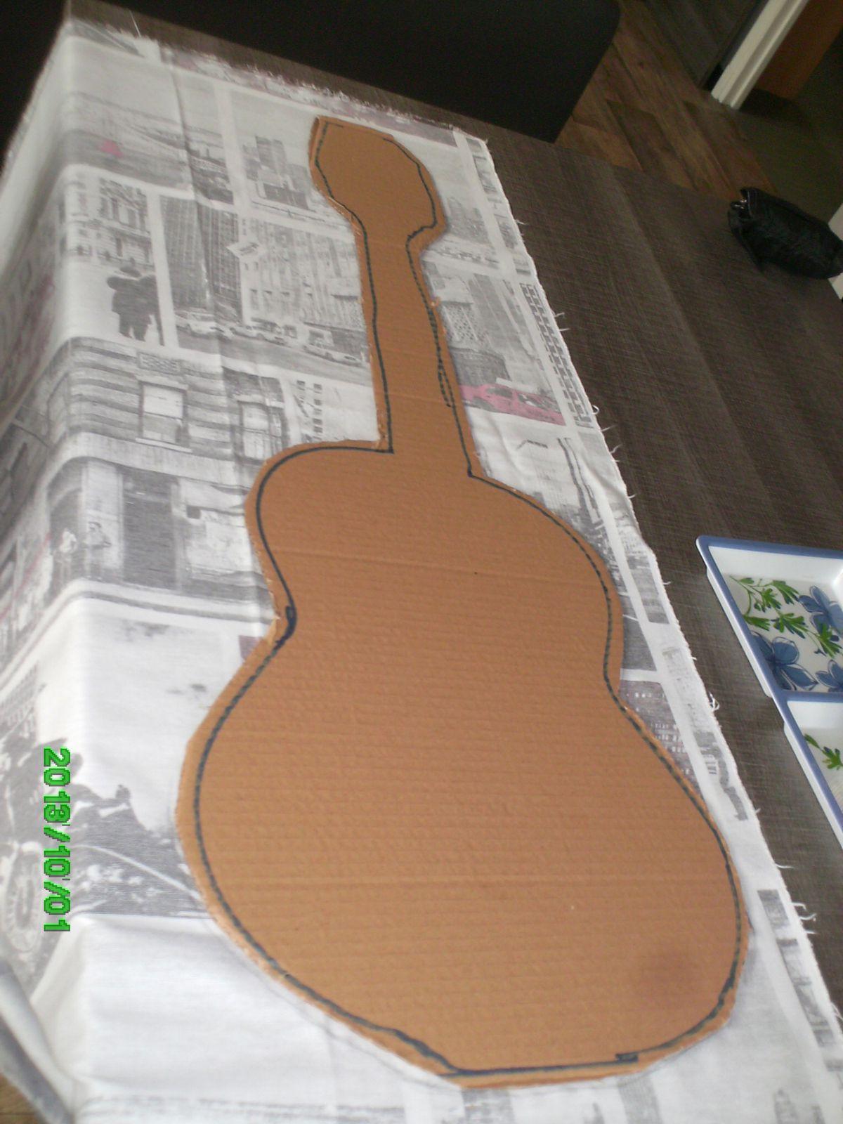 tissu avec guitares