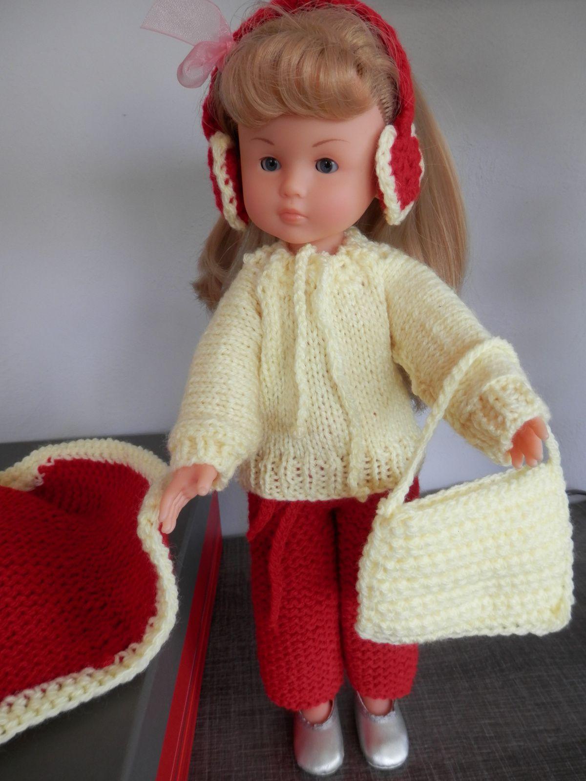 il a pas fait chaud c est dernier temps  donc il a bien fallu habiller Camille car cette hiver j ai vider un peut ca garde robe cet ensemble pantalon pull manteau  sac assorti  et ce casque car elle ecoute la musique