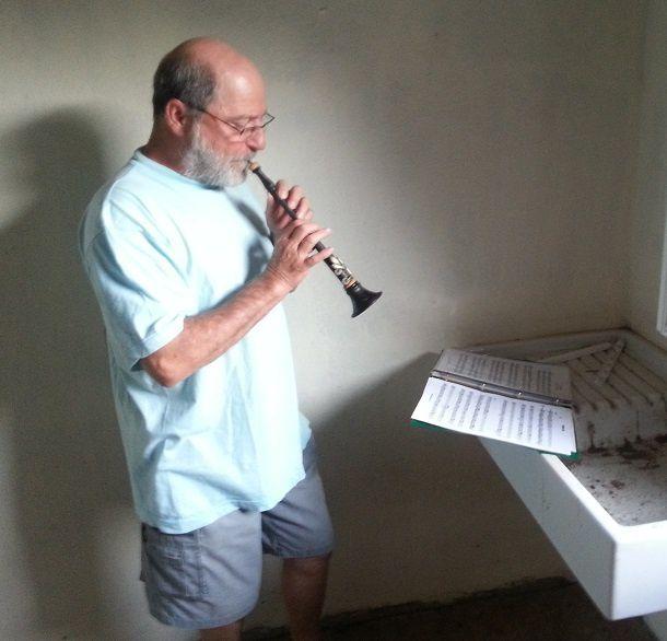 ... et enfin Relaxage. . . Musiques,chants et danses...  et   F I E S T A  au  Bouissou  !  !  ! . . .