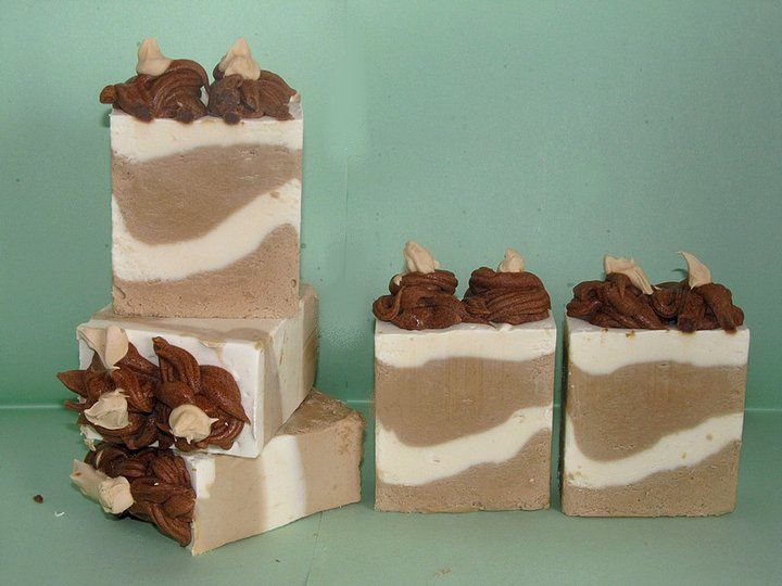Gâteaux de savon au cacao, vanille et fève tonka