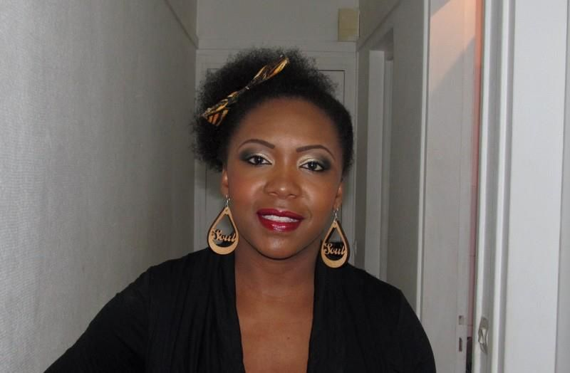 Afro couette sur le côté