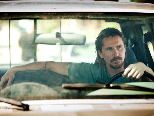 Christian Bale face a Woody Harrelson dans &quot&#x3B;Out of the Furnace&quot&#x3B; (vidéo) !!