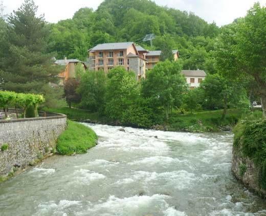 La rivière&#x3B; l'ariège