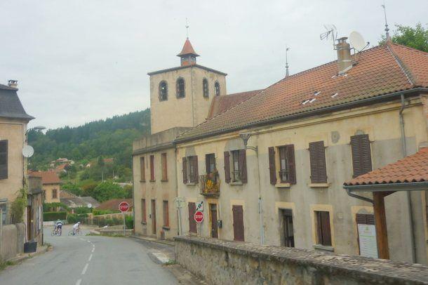 Le bourg de Chateldon
