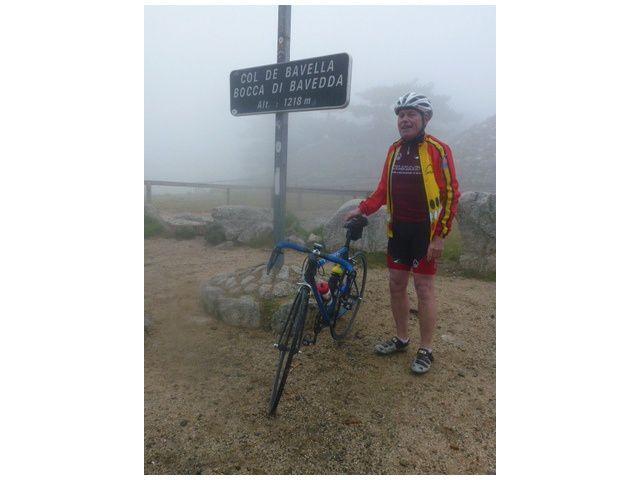 Les conditions climatiques se dégradent, brouillard, puis une grosse averse. Température 8°