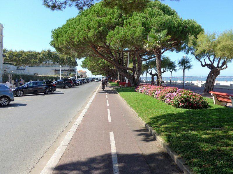 Arcachon. Apprécier l'environnement du bassin depuis votre vélo.