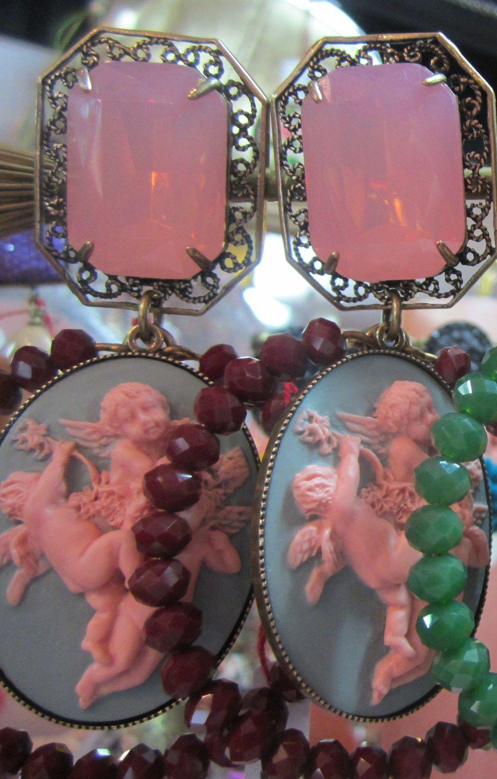 BOUCLES D'OREILLE  ANGES ROSES de JULIE SION ( plusieurs coloris )