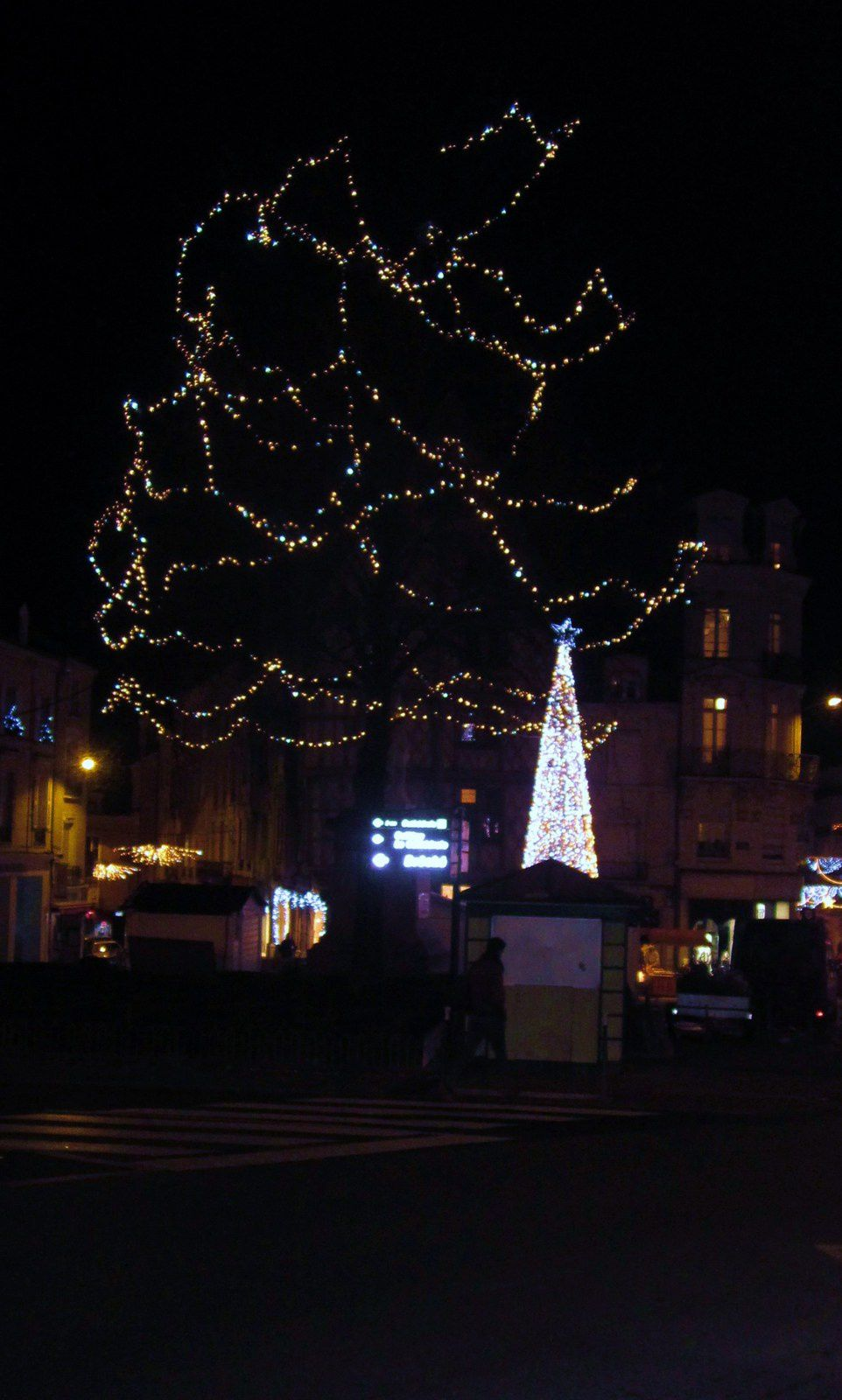 NOËL PLACE FREPEL ANGERS