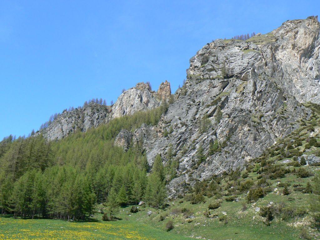 Zone à gypse et cargneules à l'entrée de la vallée des Lanches coté Plan Peisey.