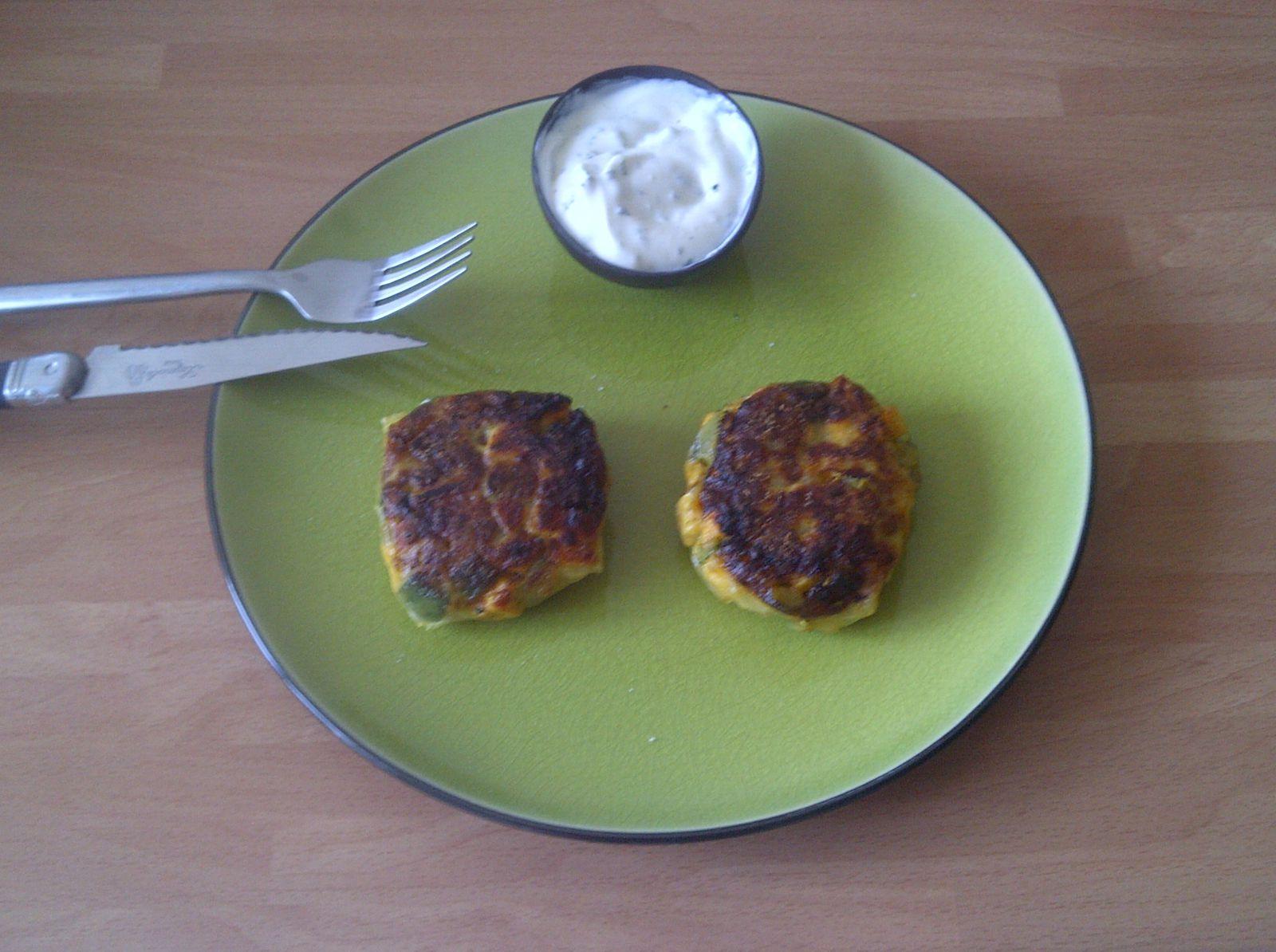 Croustillant de courgette et saumon au curry, crème mentholée