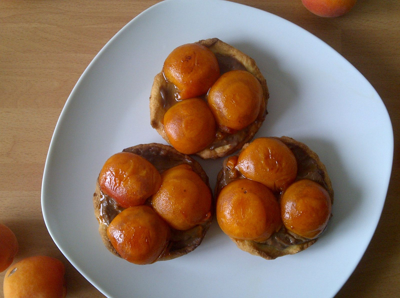 Tartelettes aux abricots et à la crème chocolat