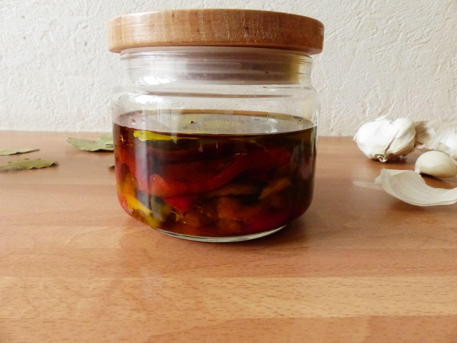 Poivrons confits à l'huile d'olive et feuilles de laurier