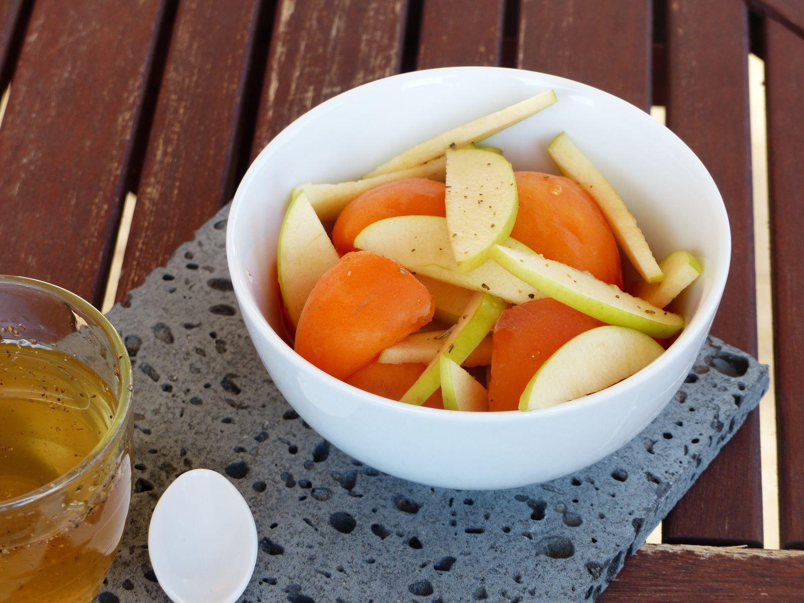 Abricots et pommes au romarin