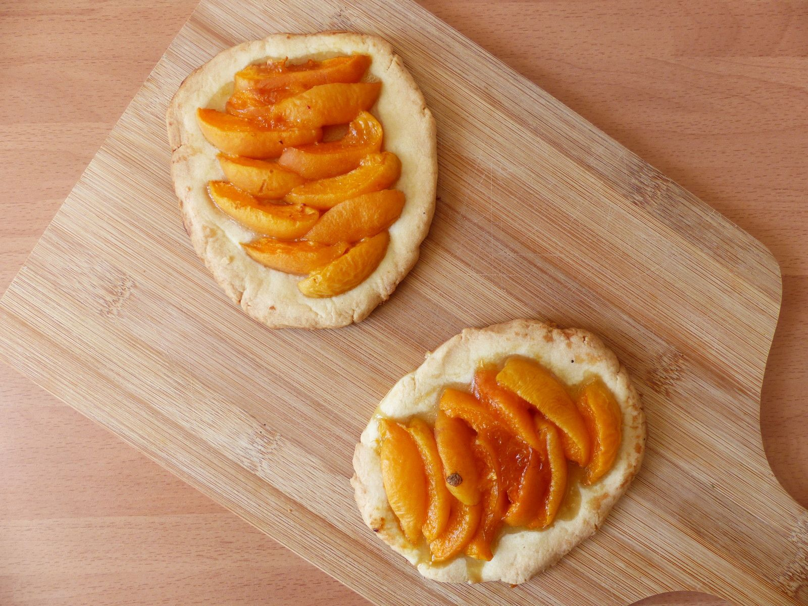 Tarte fine aux abricots et au sirop d'érable