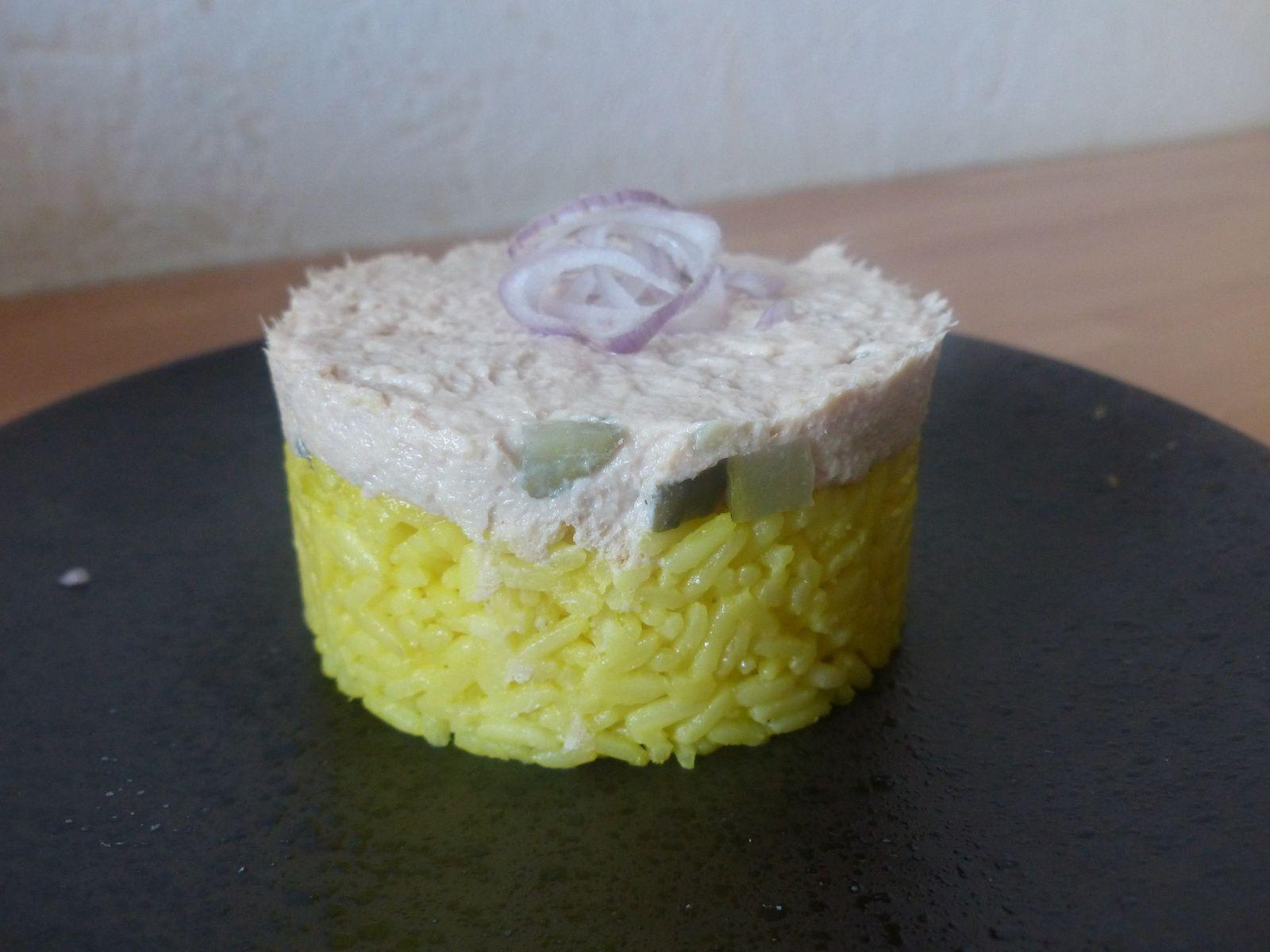 Timbale de riz safrané à la rillette de thon