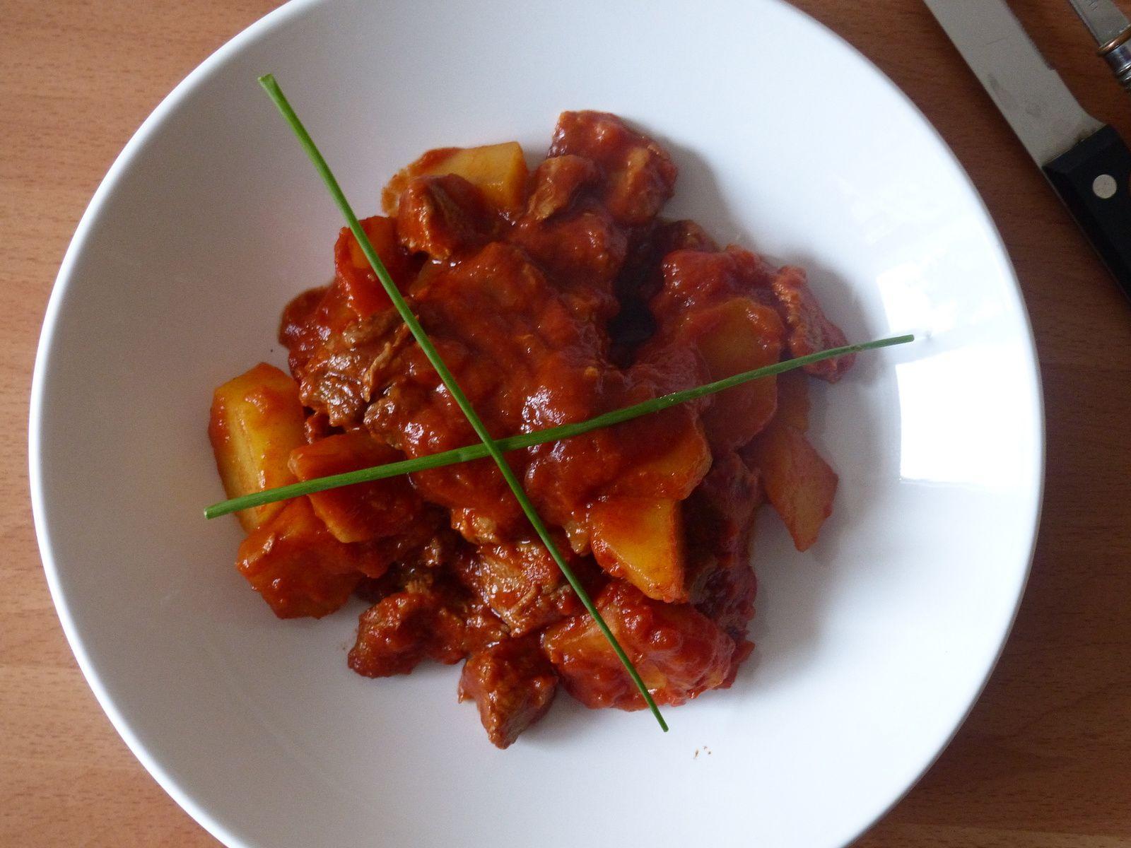 Agneau en sauce tomate
