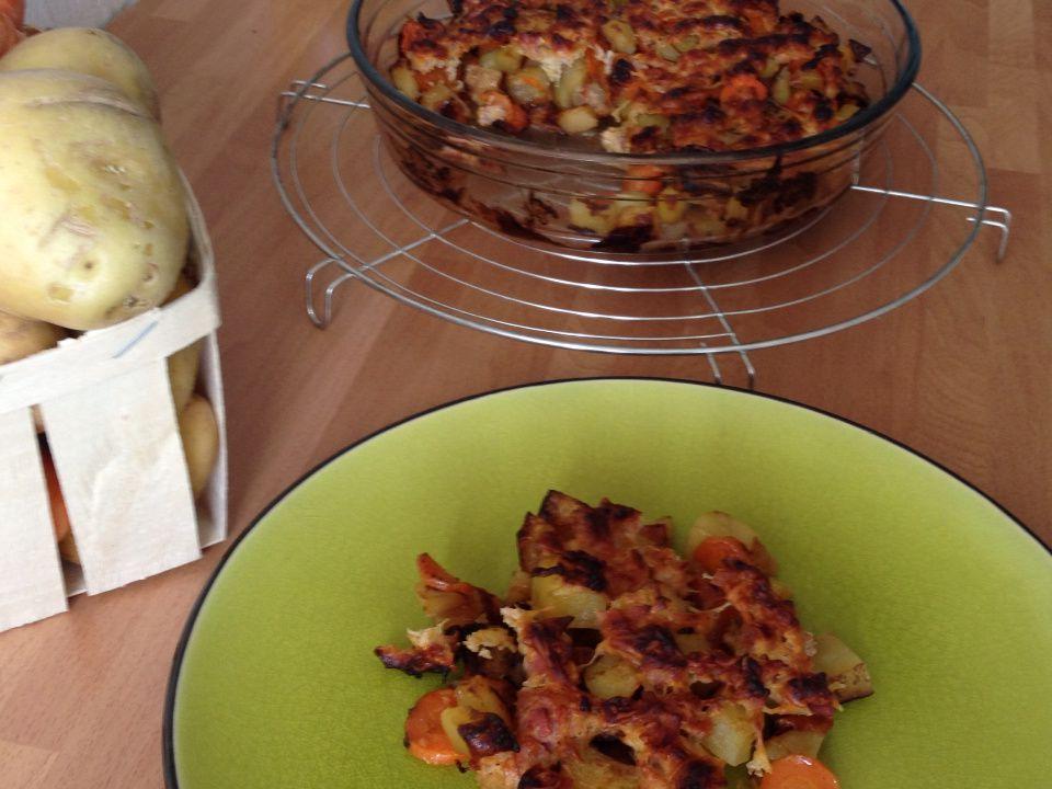 Crumble de pommes de terre et carottes au bacon
