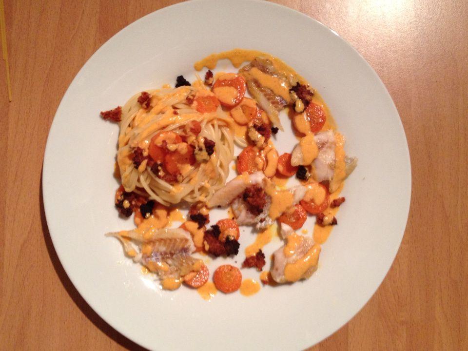 Filet de cabillaud, sauce et crumble de chorizo