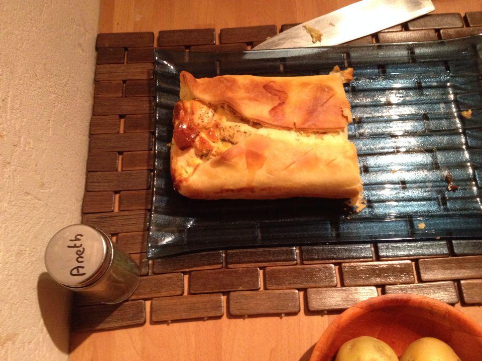 Tarte porte-feuille aux saumon, pommes de terre et oignon