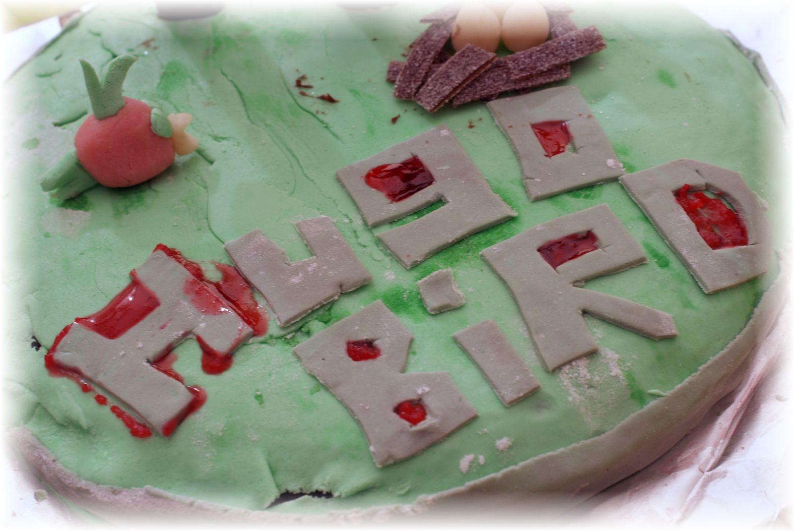 Anniversaire Angry birds - le gâteau