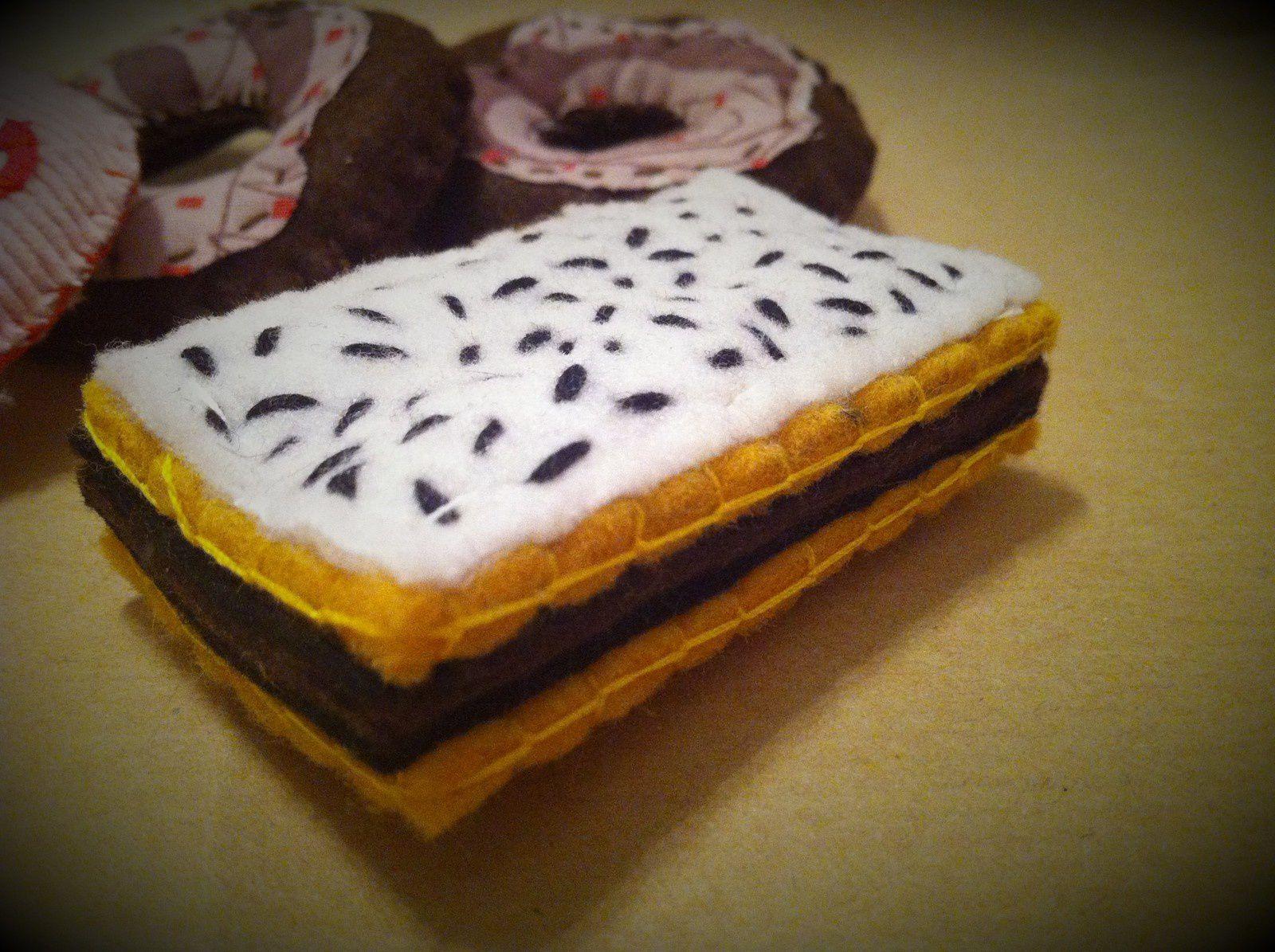 Dinette en feutrine : les donuts et napolitain