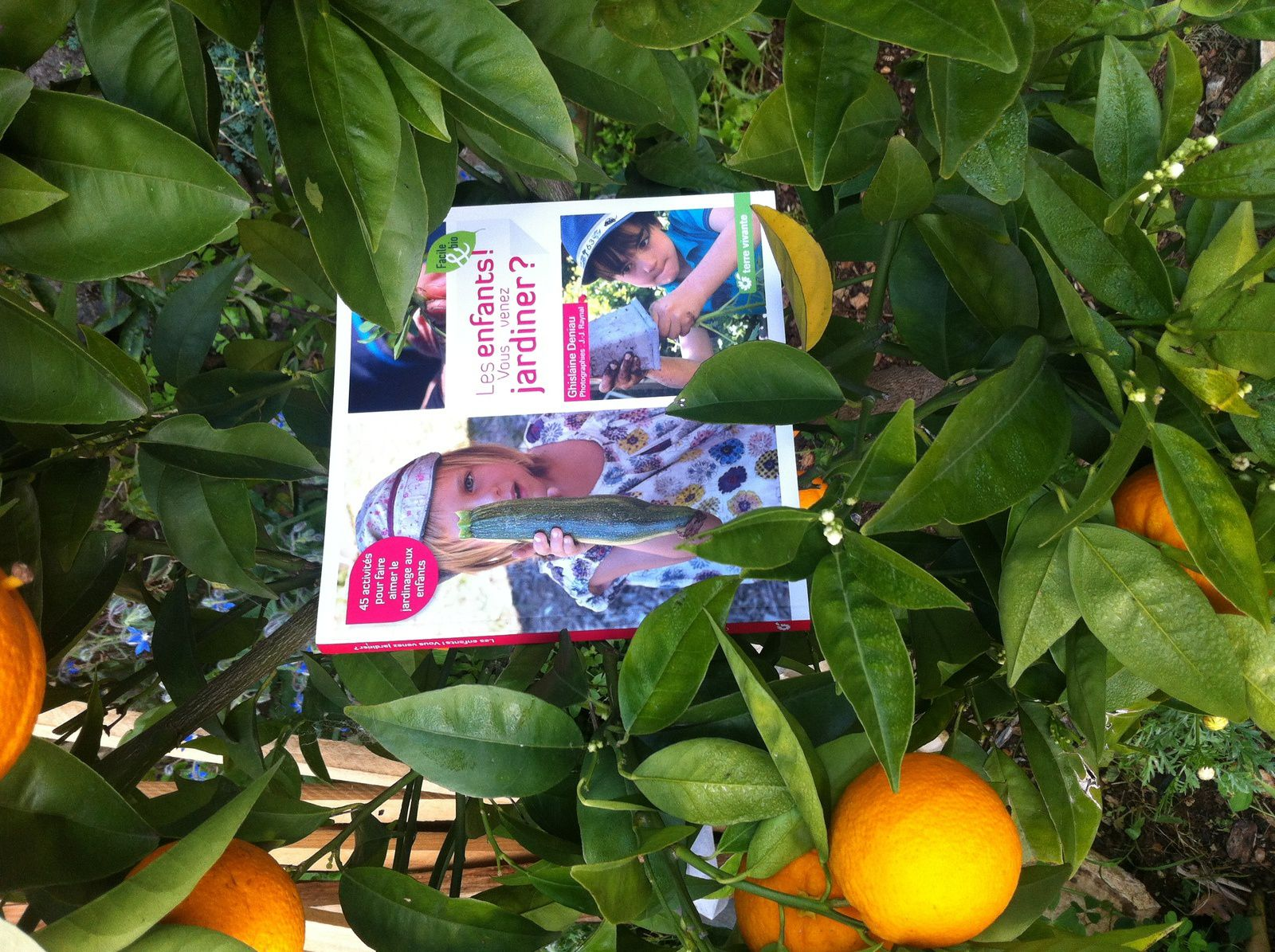 Chut les enfants lisent #108 : Les enfants vous venez jardiner?
