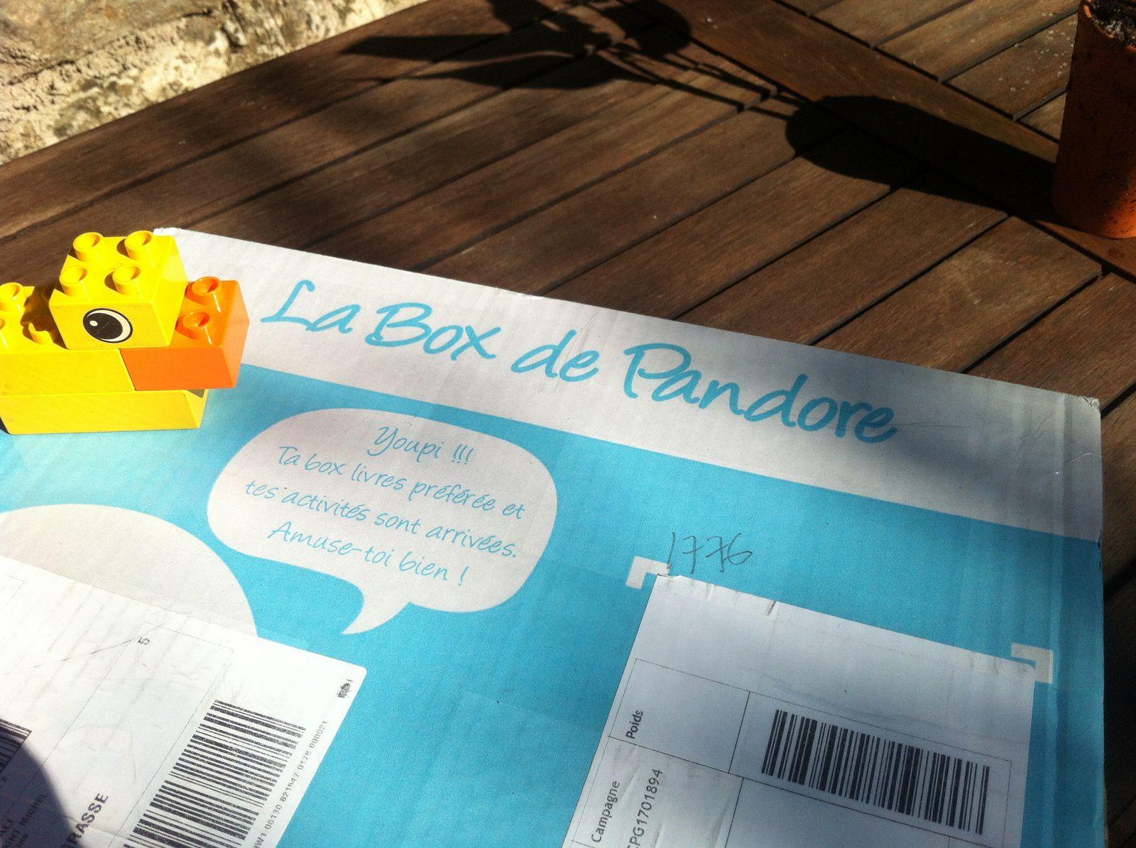 Chut les enfants lisent #111 - La box de Pandore avril 2017